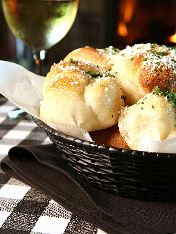Ipp's Famous Garlic Rolls