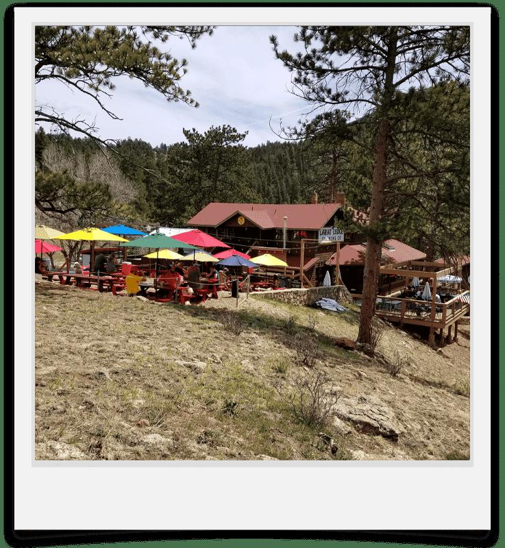 Exterior of Lariat Lodge