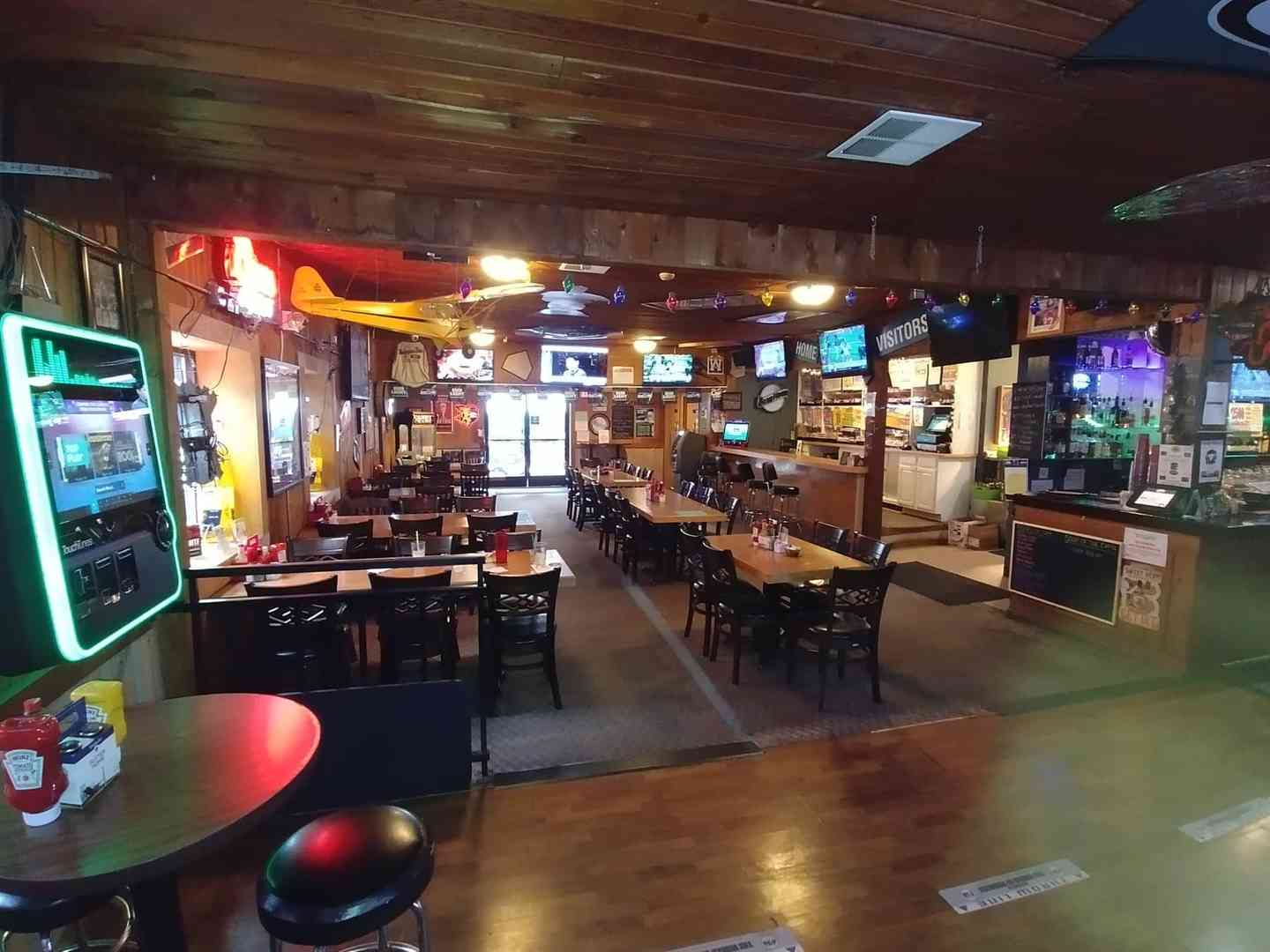 WELCOME TO THE HIDEAWAY SPORTS PUB & EATERY IN SPANAWAY, WA