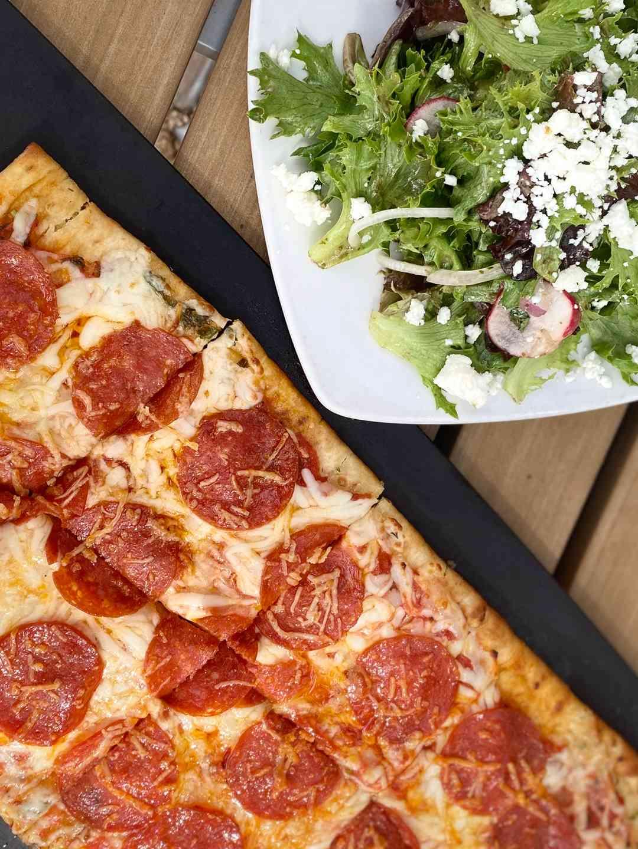 14x7 Pizza & Salad