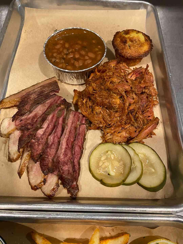 Pulled Pork & Brisket Platter