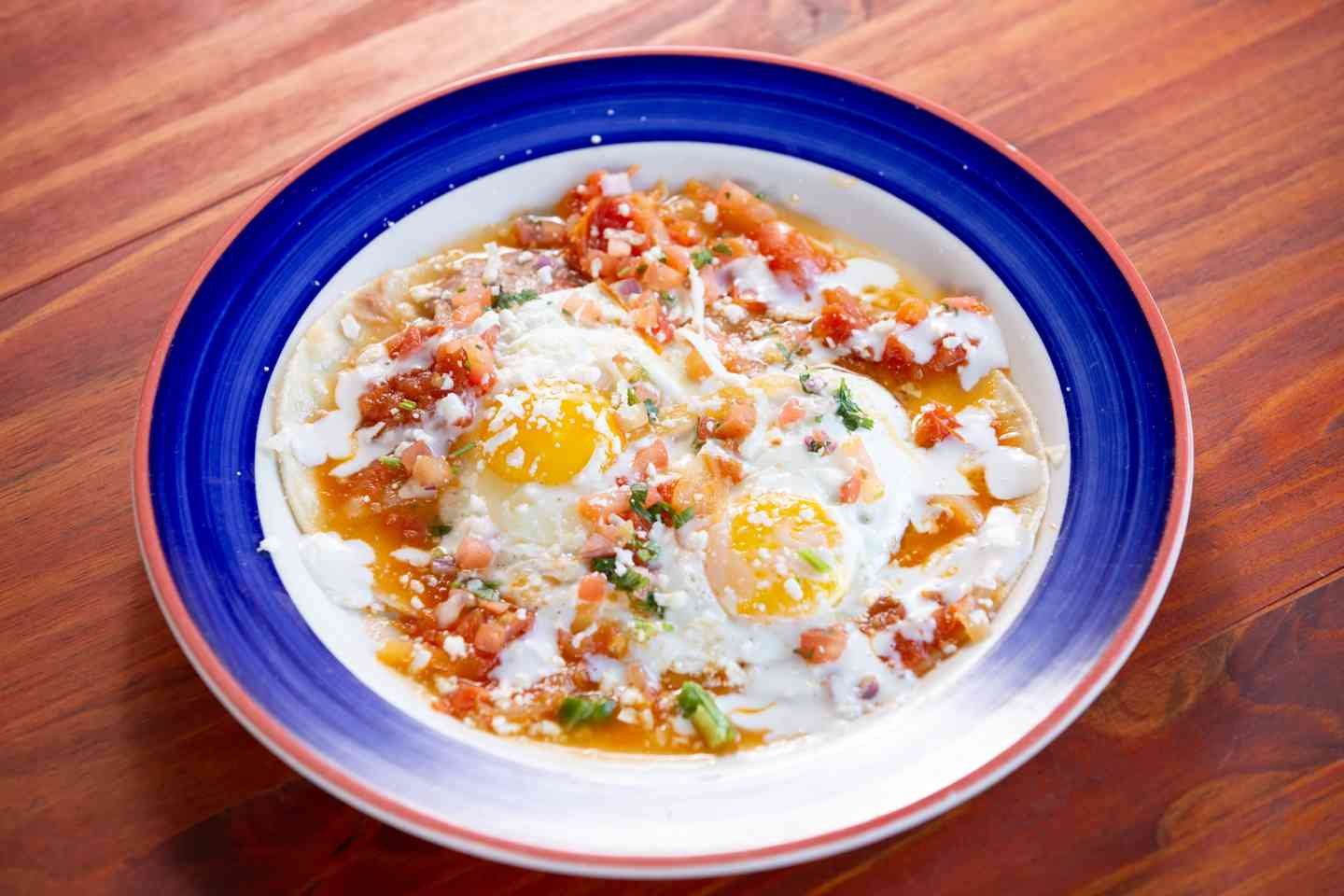 TRADITIONAL HUEVOS RANCHEROS*
