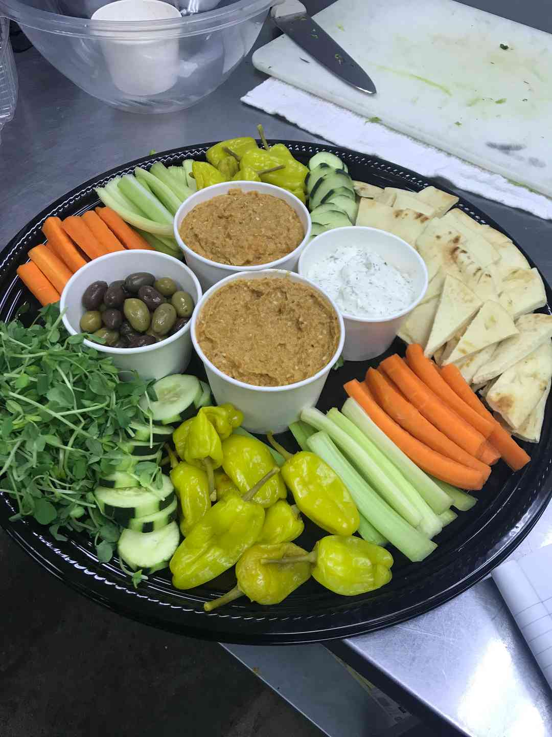 Hummus Veggie Tray (Per Person)