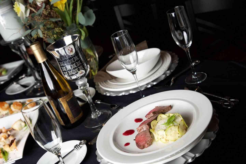 banquet plates