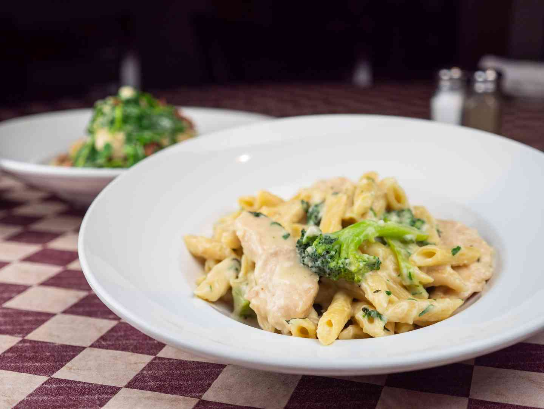 Chicken Broccoli & Ziti
