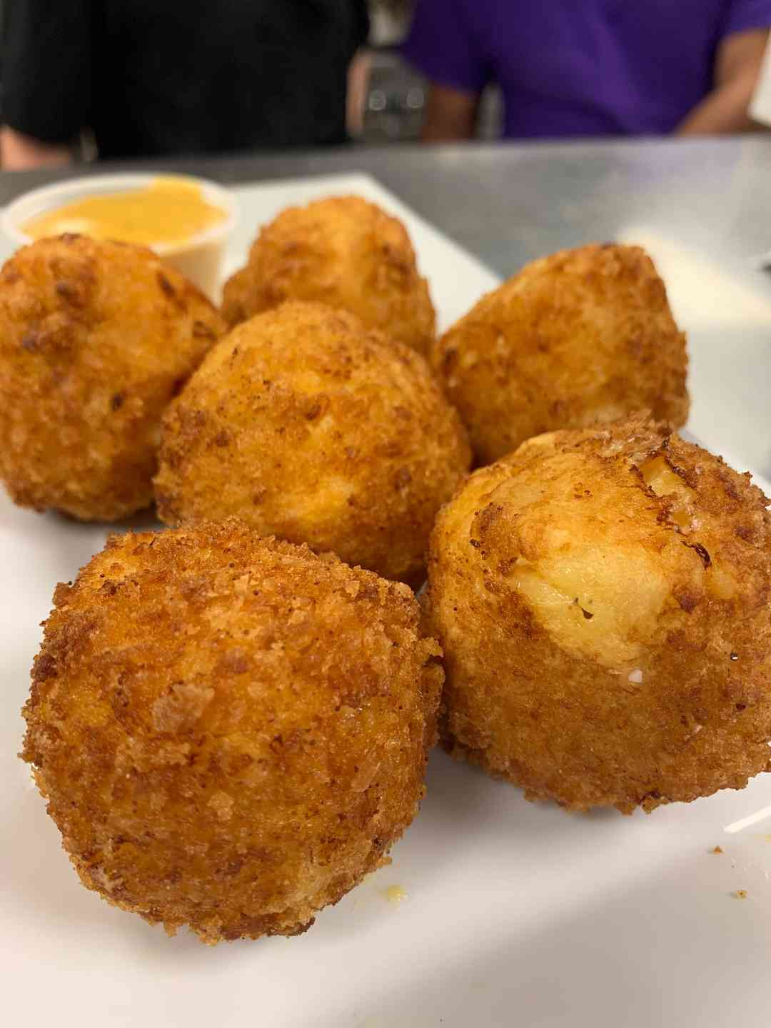 Mac 'N Cheese Balls