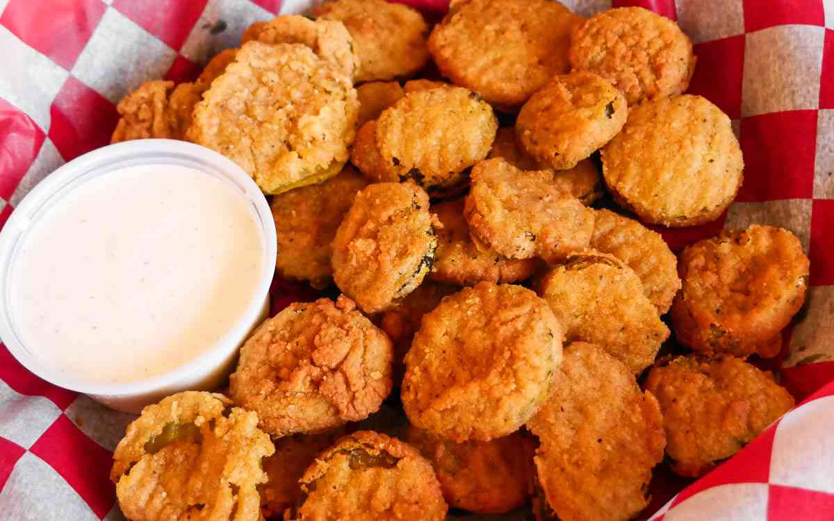 Spicy Fried Dill Pickles