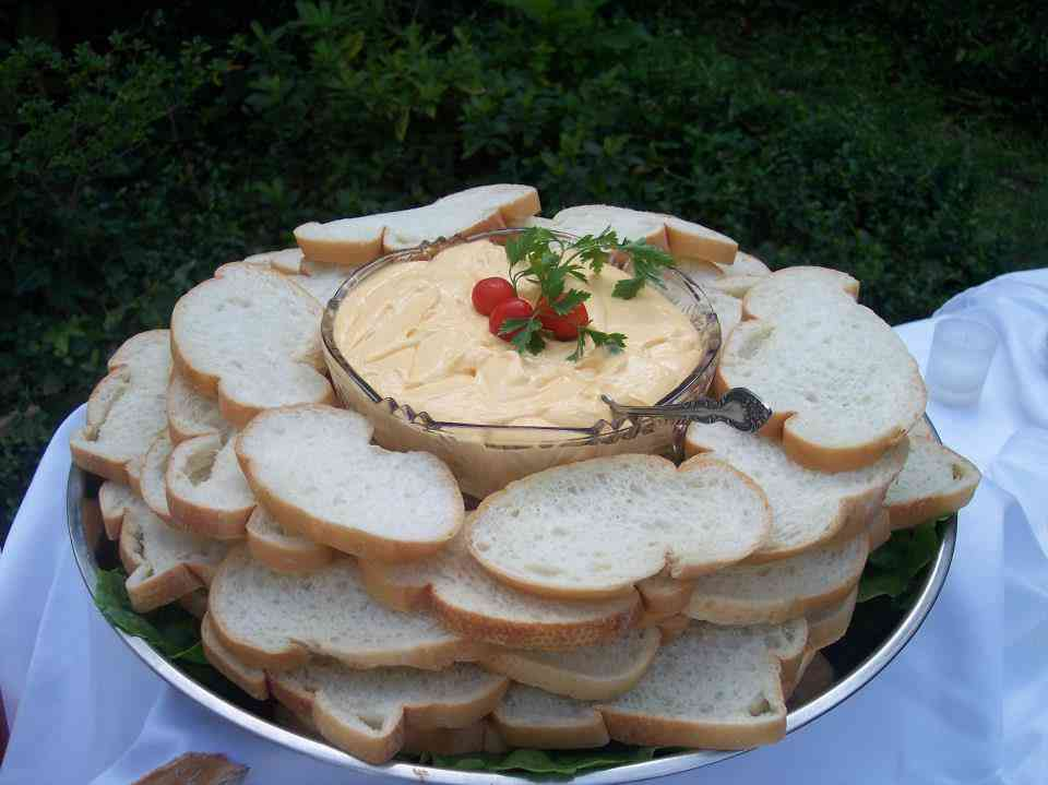 bread and dip