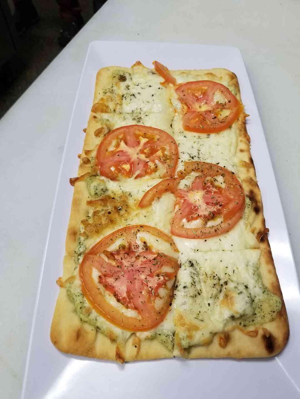 Pesto Margherita Flatbread