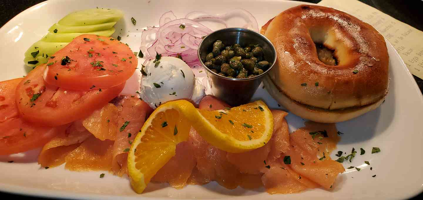 Smoked Salmon & Bagel