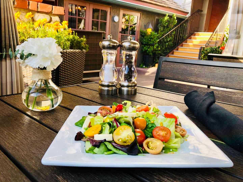 Bungalow Salad