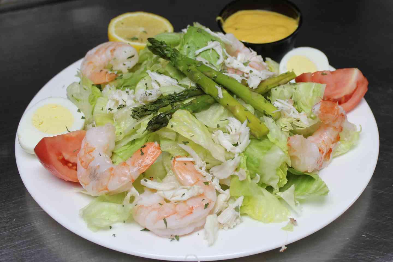 Crab & Shrimp Louie Salad