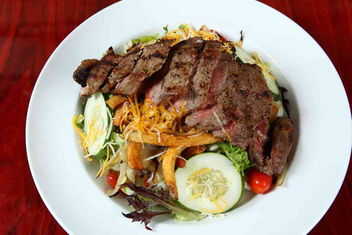 Steak Salad*