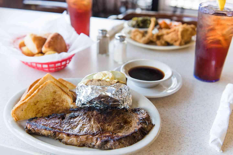 Prime Rib Steak (Fri. & Sat.)