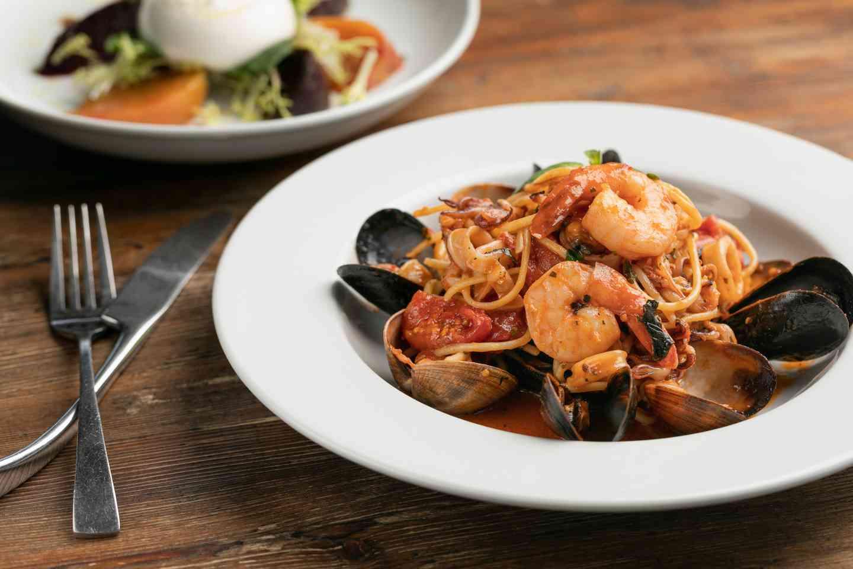 Shrimp with clams