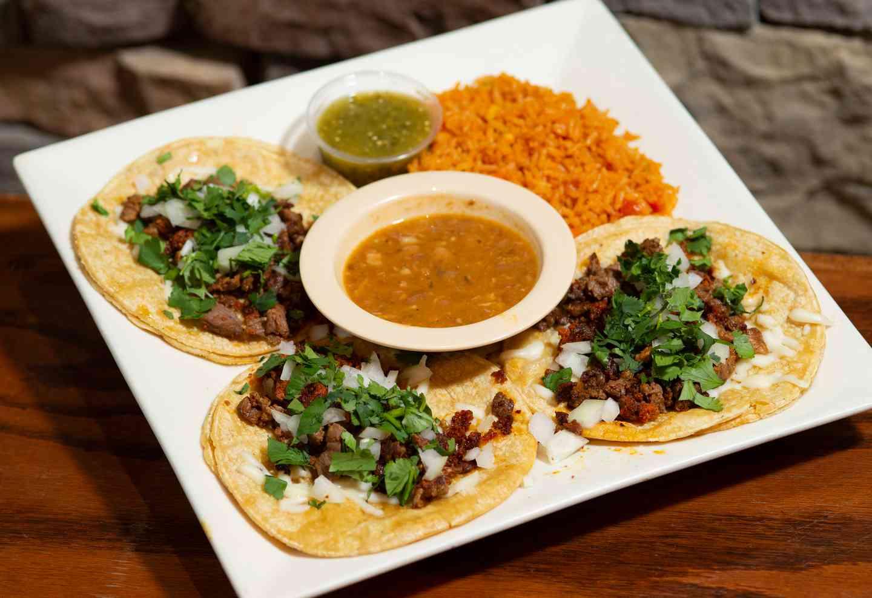 Tacos de la Calle* (Street Tacos)