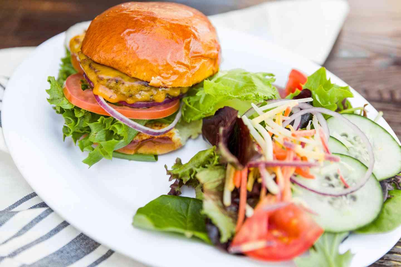 """Classic """"LC"""" Burger"""
