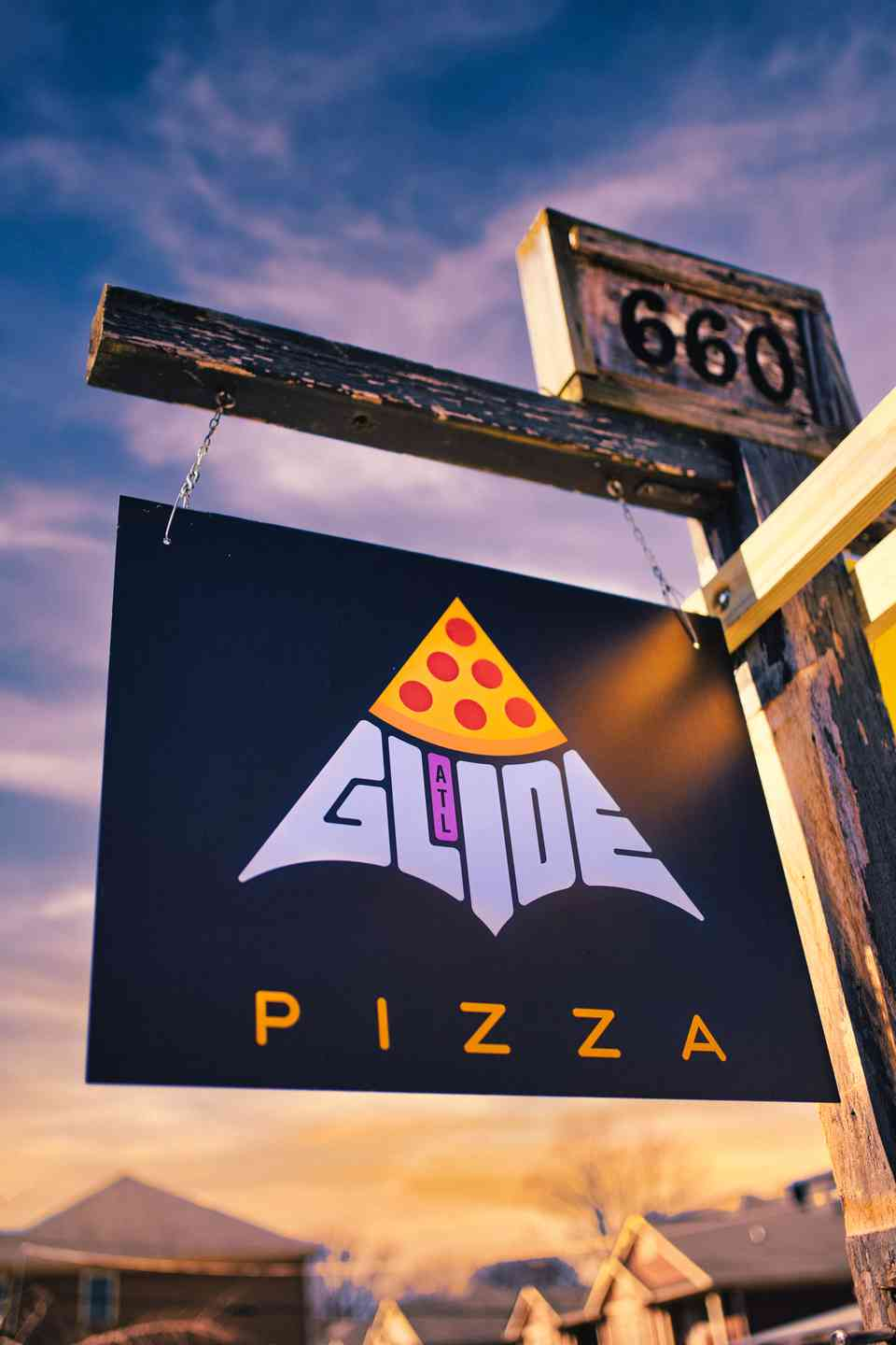 glide pizza sign