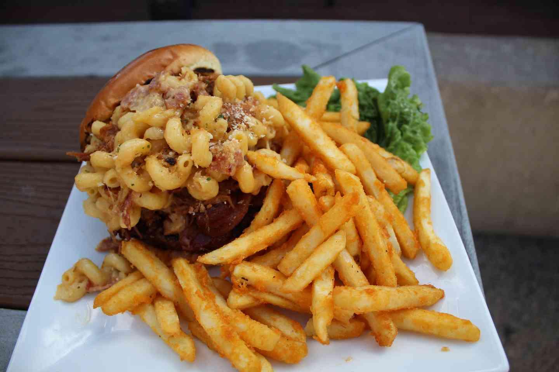 Mac & Cheese Hog Burger