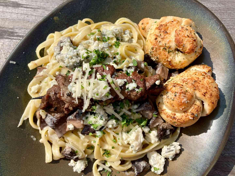 Fettuccini with Steak & Gorgonzola Cream Sauce
