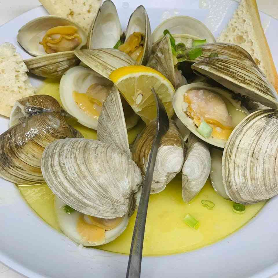Steamed Middleneck Clams