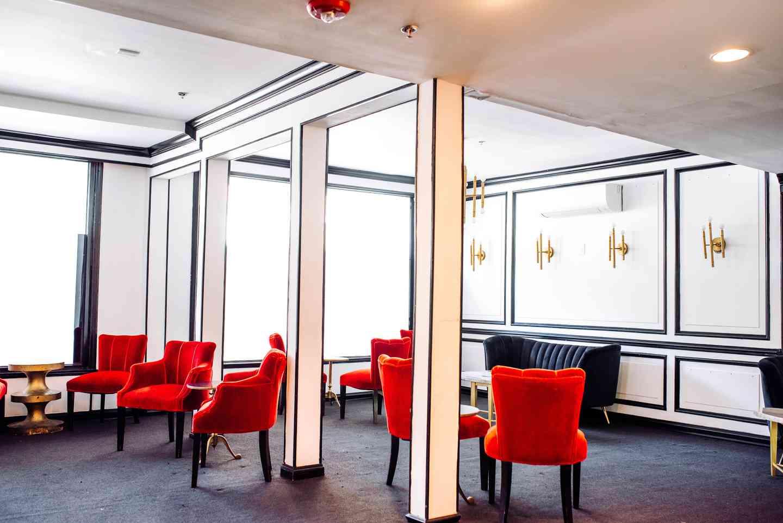 Elie Wine Room seating