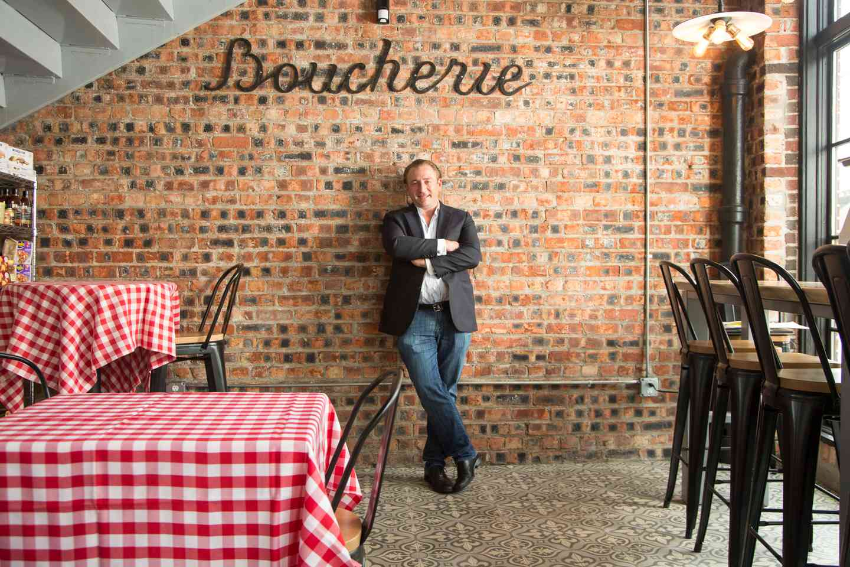 owner in restaurant