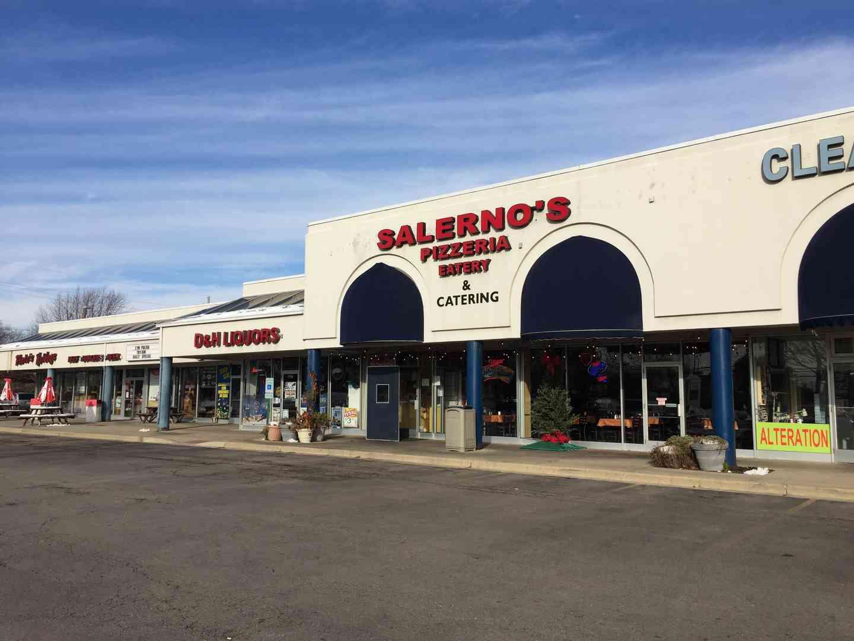 Salerno's Pizzeria & Eatery - Mt. Prospect