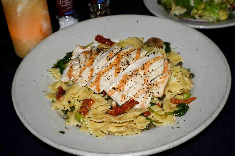 Pasta Lomonte's w/ Chicken