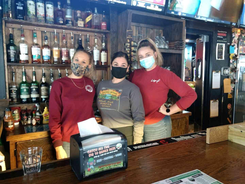 bartenders photo