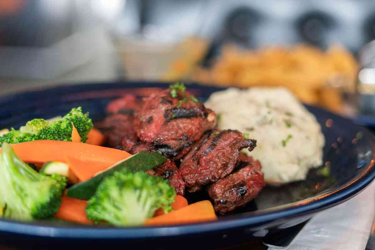 Our Famous Marinated Steak Tip Dinner