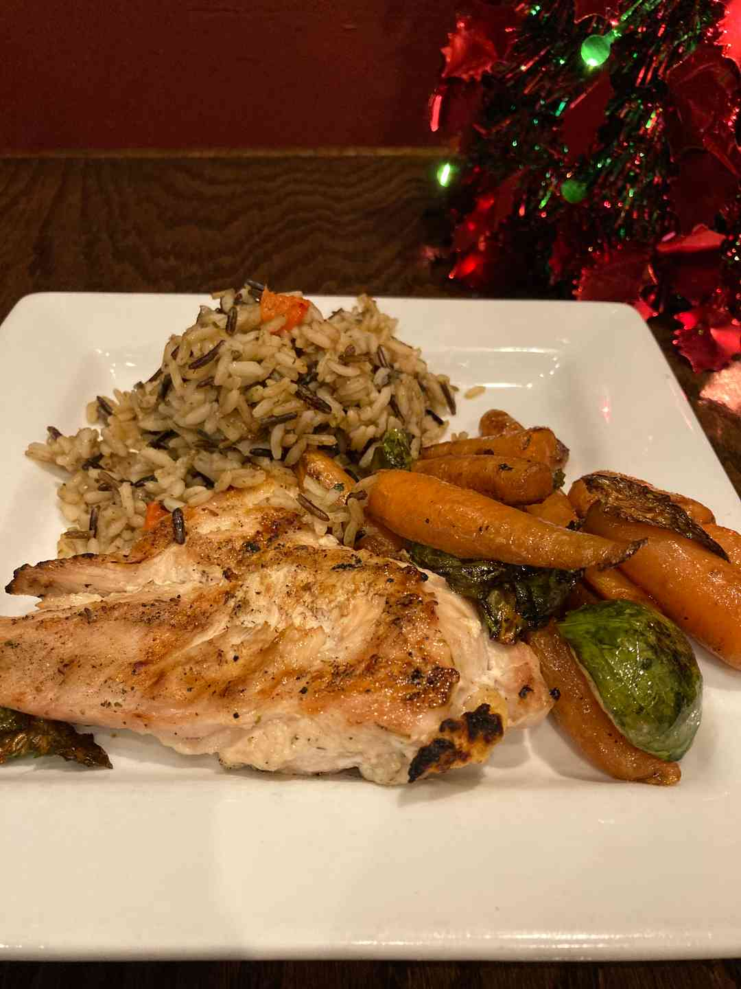 Grilled Chicken with rice & seasonal vegetable