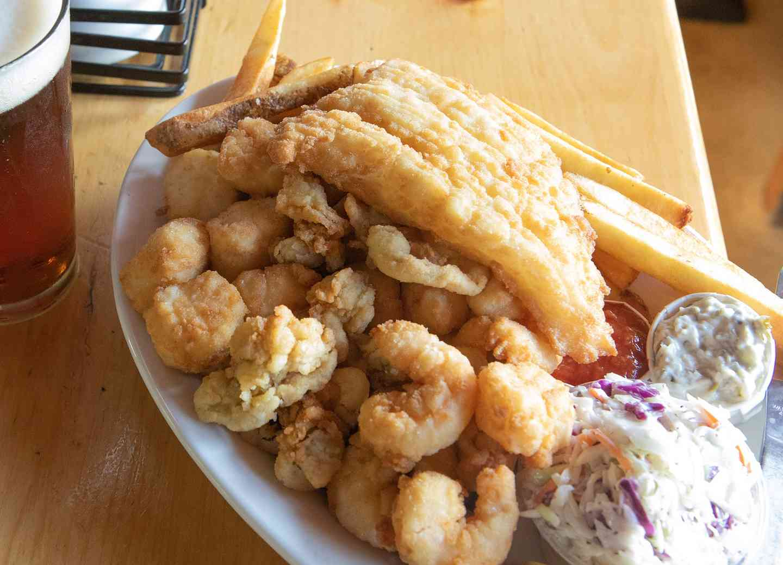 Lenny & Joe's Famous Fish Tale Fried Platter