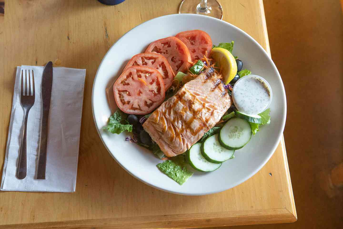 Charbroiled Fresh Fillet of Salmon Entree Salad