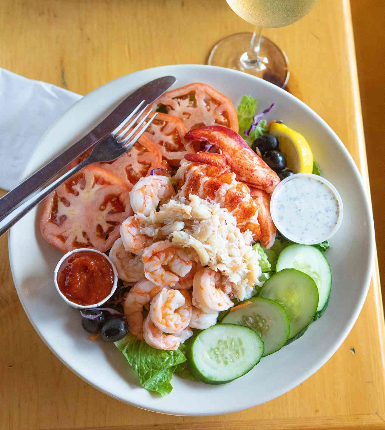 Chilled Combination Seafood Entree Salad
