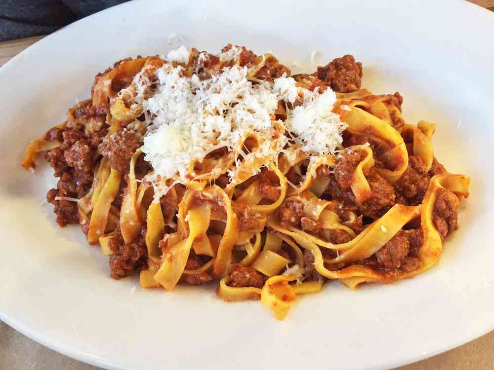 Alla Bolognese (meat red sauce)