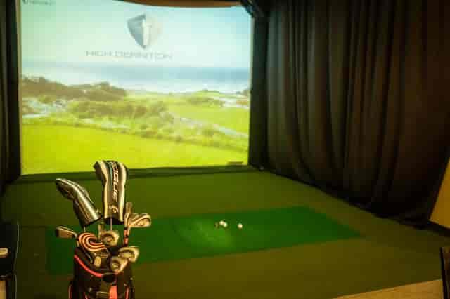 Golf simulation