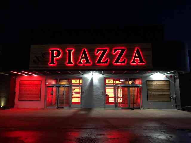 the PIAZZA front - Night