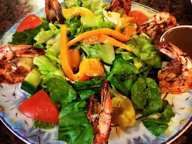 grilled shrimp salald