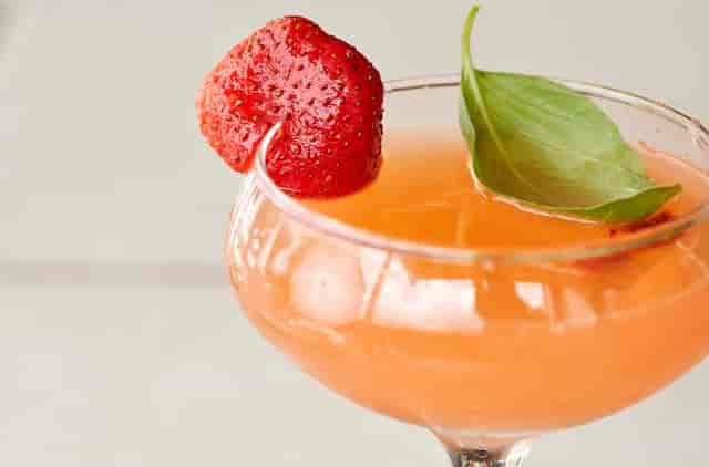 strawberry gimlet drink