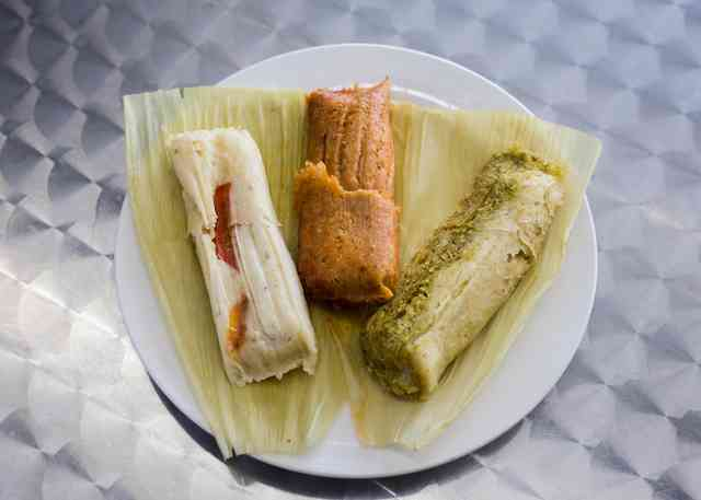 plate of three tamales
