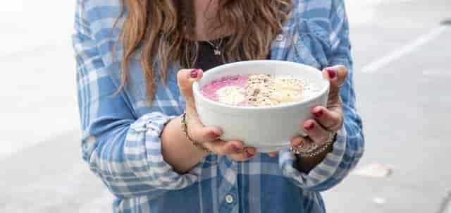 holding schroeder breakfast bowl