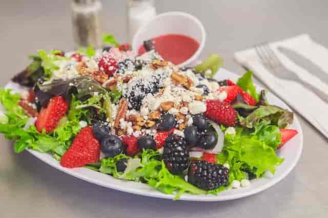 berry crunch salad