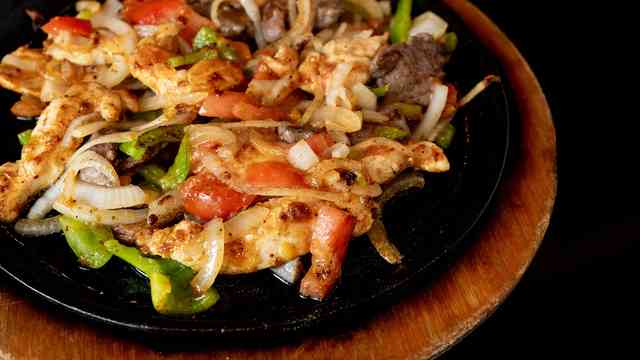 beef and chicken fajita