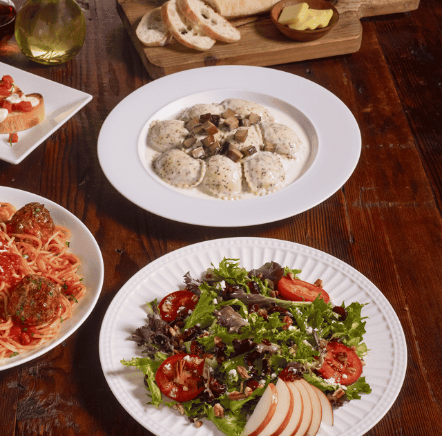 Oakhurst Salad & Mushroom Ravioli