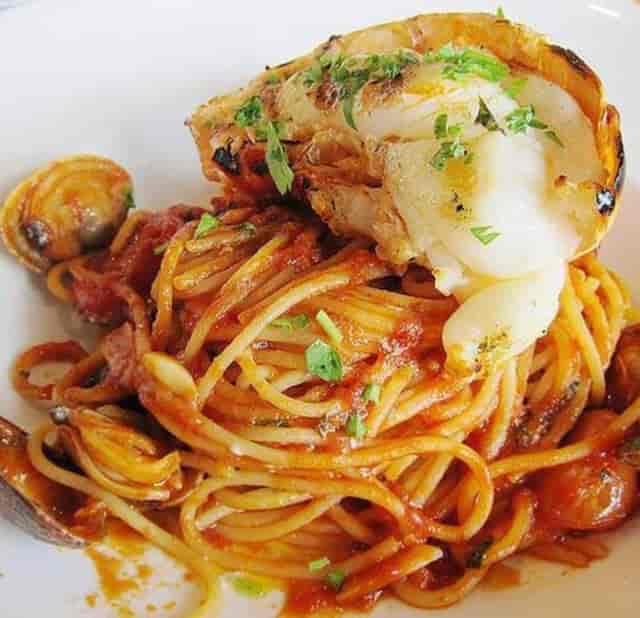 Seafood and spaghetti