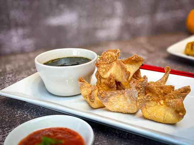 Crab and cheese wonton