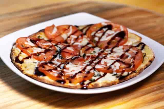 mozzarella flatbread