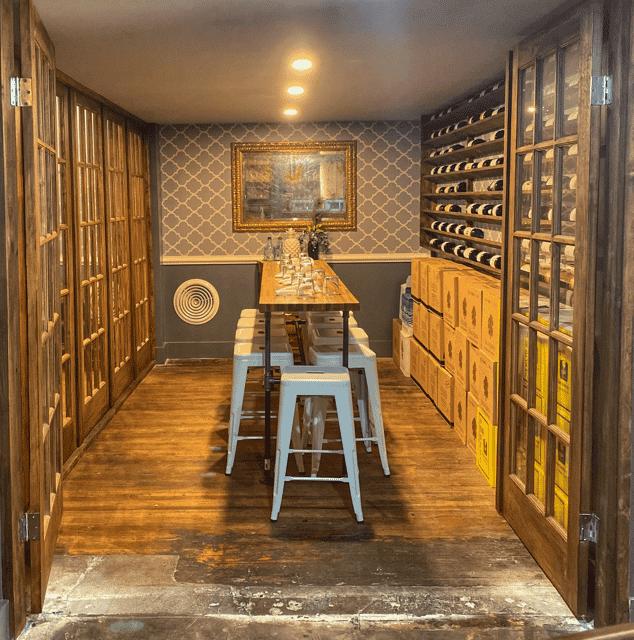 Common Restaurant . Bar