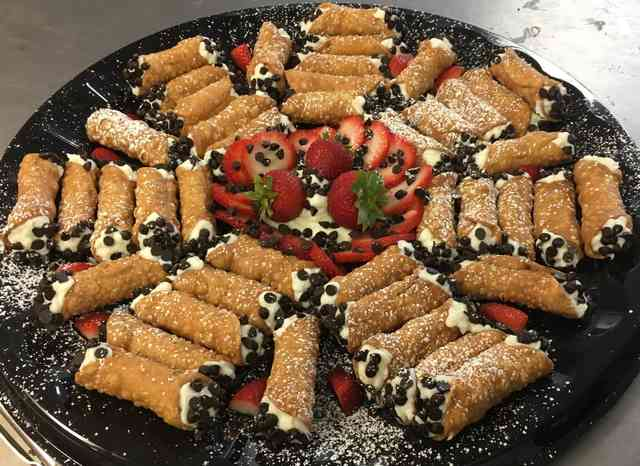 cannoli platter